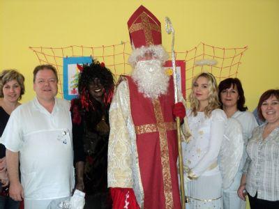 Za dětskými pacienty Nemocnice Šternberk dorazil Mikuláš s čerty a anděly