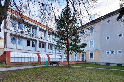 Během letních měsíců dojde v Nemocnici Šternberk k výměně oken, výtahů i opravě střechy