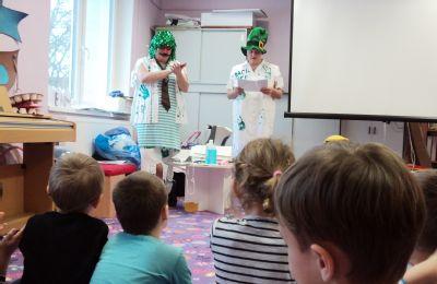 Bacil Emil a zdravotníci Nemocnice Šternberk již pátým rokem učí děti správnou hygienu