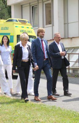 Nemocnici Šternberk navštívil ministr zdravotnictví