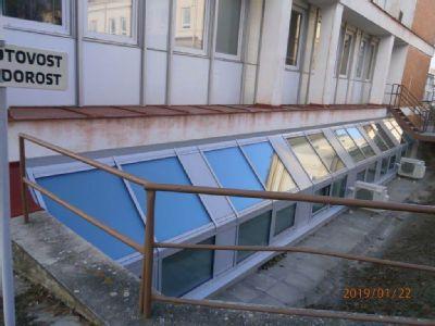 Oddělení rehabilitace Nemocnice Šternberk se dočkalo nových oken