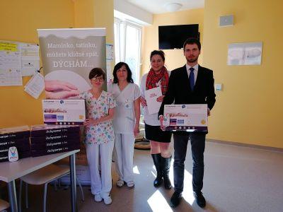 Novorozené děti ve Šternberku bude hlídat 10 nových monitorů dechu